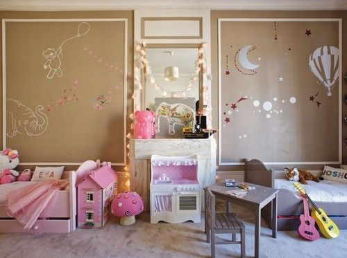 Great idea if we decide to keep the kids in the same room for a few years! 60 Magical Kids Rooms - Style Estate -