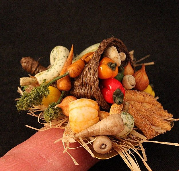 Cornucopia in dollhouse miniature scale, 1:12 by CDHM Artisan Linda Cummings, IGMA Fellow, of Lins Minis, www.cdhm.org/user/lindac5204