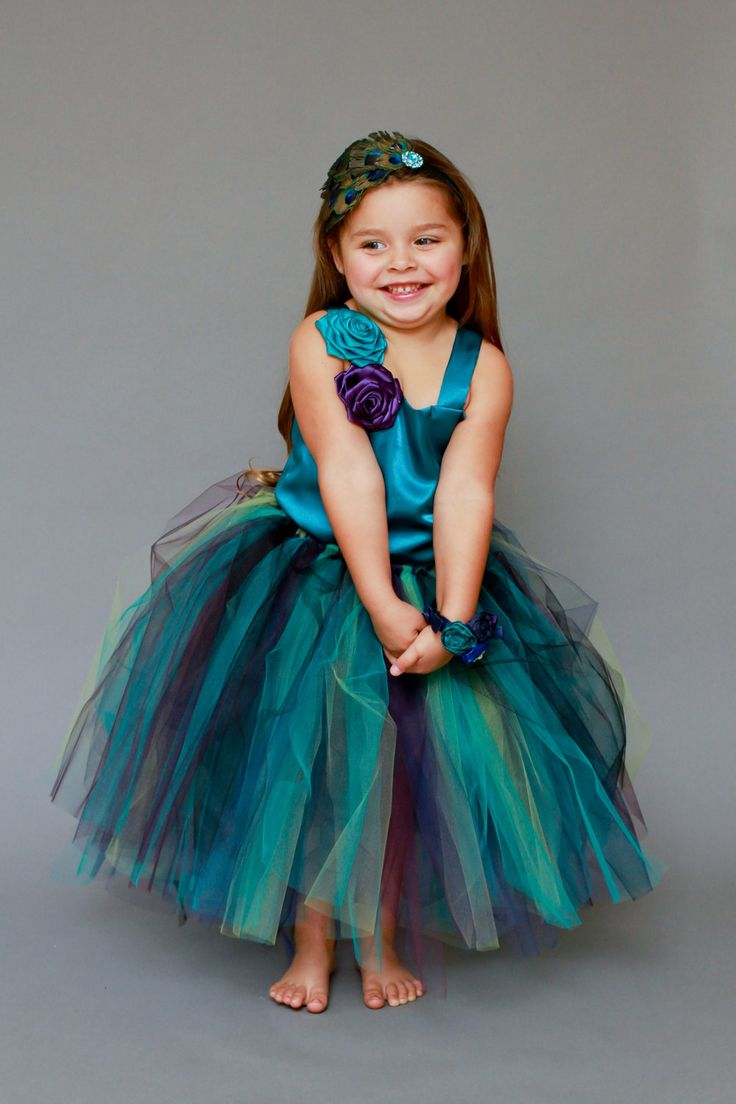 Love this for flower girls dresses