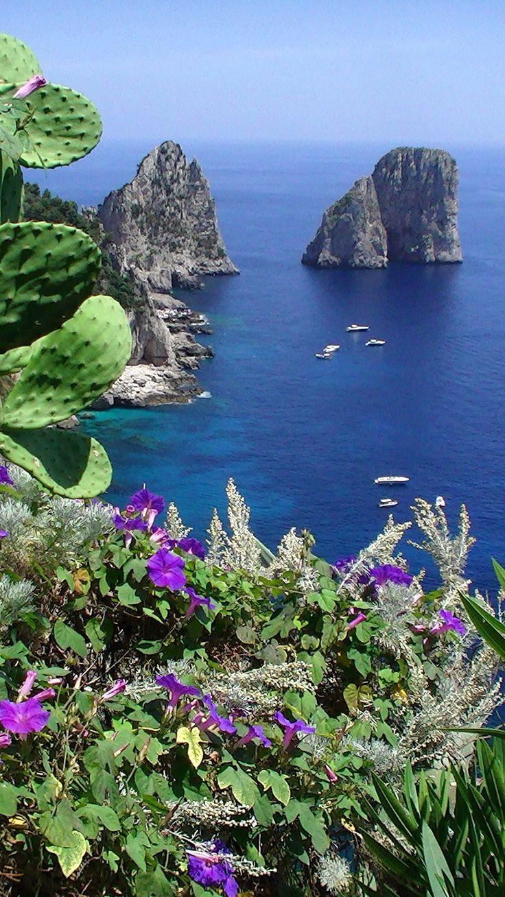 Faraglioni Rocks, Capri, Baía de Napoli, Campania, Italia