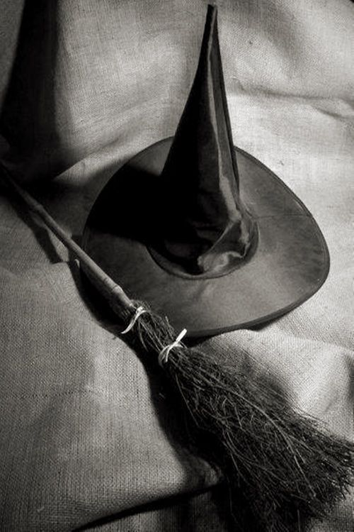 Witch's Broom and Hat. Copyright: Samantha Grandy. ° #witchcraft