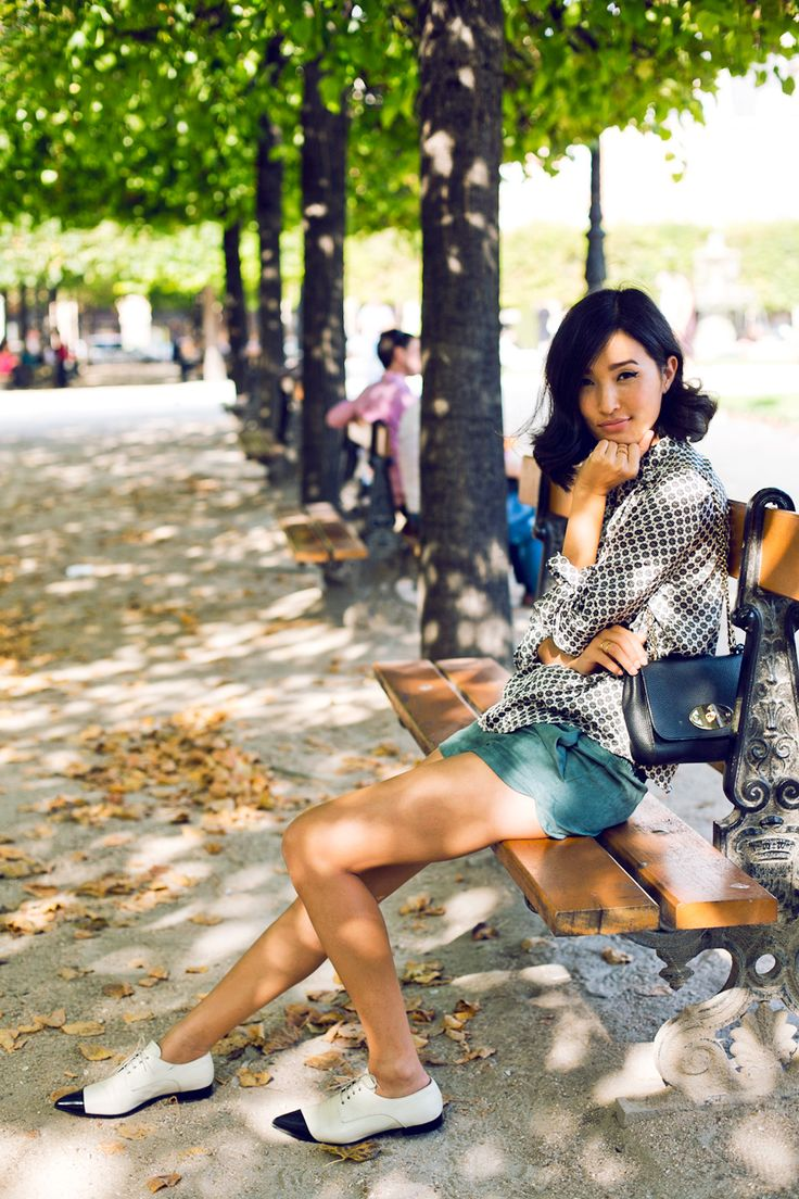 Nicole Warne - Asos shirt, Zara shorts, Mulberry bag, Miu Miu brogues.  (In Paris, October 2013)