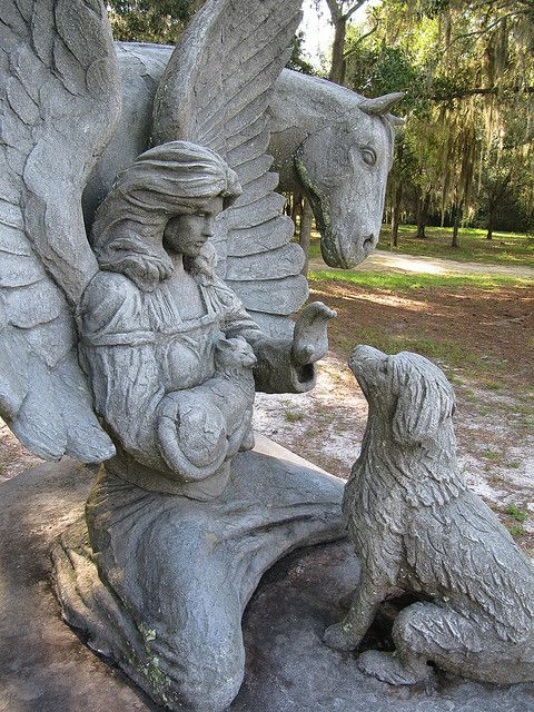 Angels waiting - By christina bageant