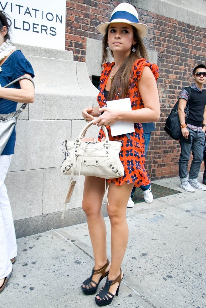 Miroslava Duma with Balenciaga bag