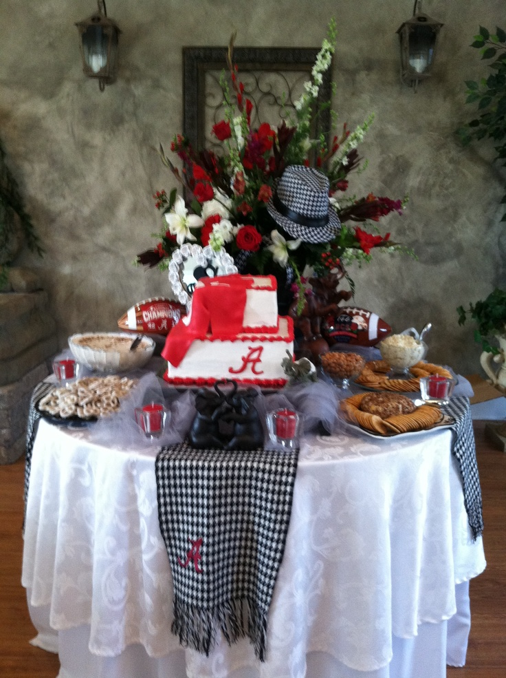 1000 Ideas About Grooms Table On Pinterest Grooms