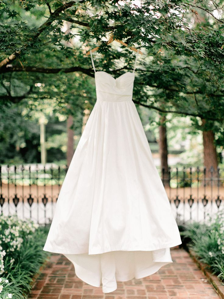 Classic | Flint Hill Wedding from Amy Arrington Photography  Read more - http://www.stylemepretty.com/georgia-weddings/2013/10/21/flint-hill-wedding-from-amy-arrington-photography/