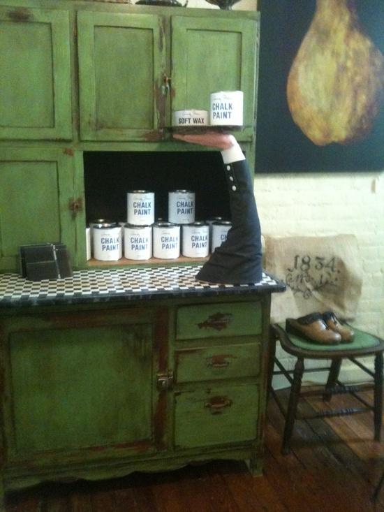 Annie Sloan Chalk Paint Ideas | / Antibes Green,