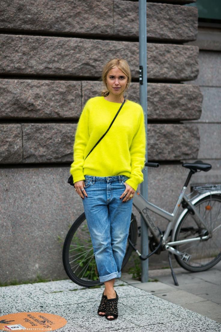 boyfriend jean + yellow knit