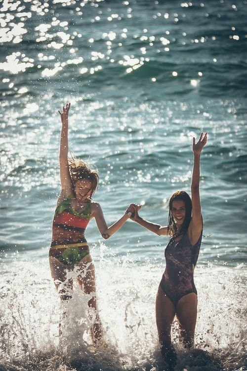 It's all about enjoying summer with your friends and having the time of your life <3
