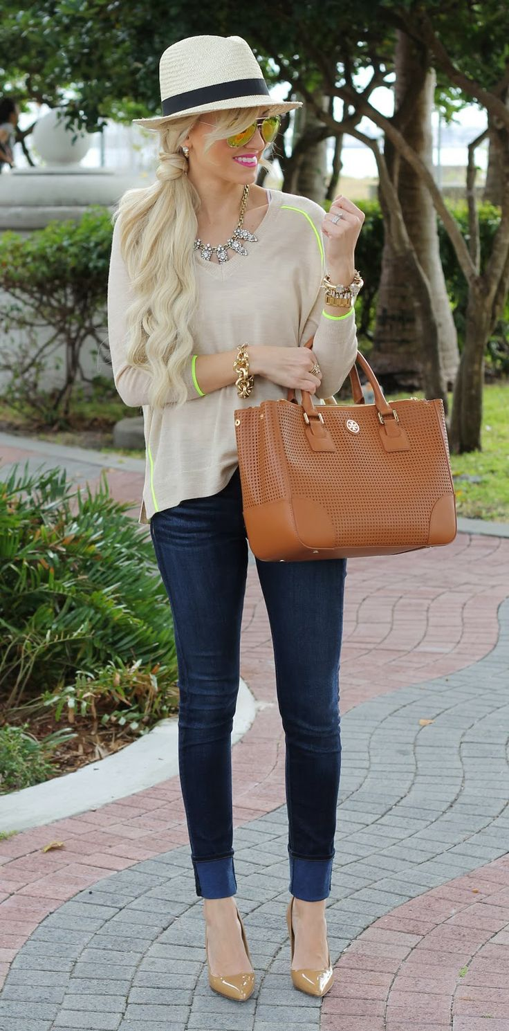 A spoonful of style! Skinnies + Heels + Simple top + Statement necklace + Fedora