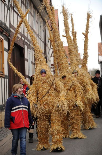 Straw bears from Heldra, Germany