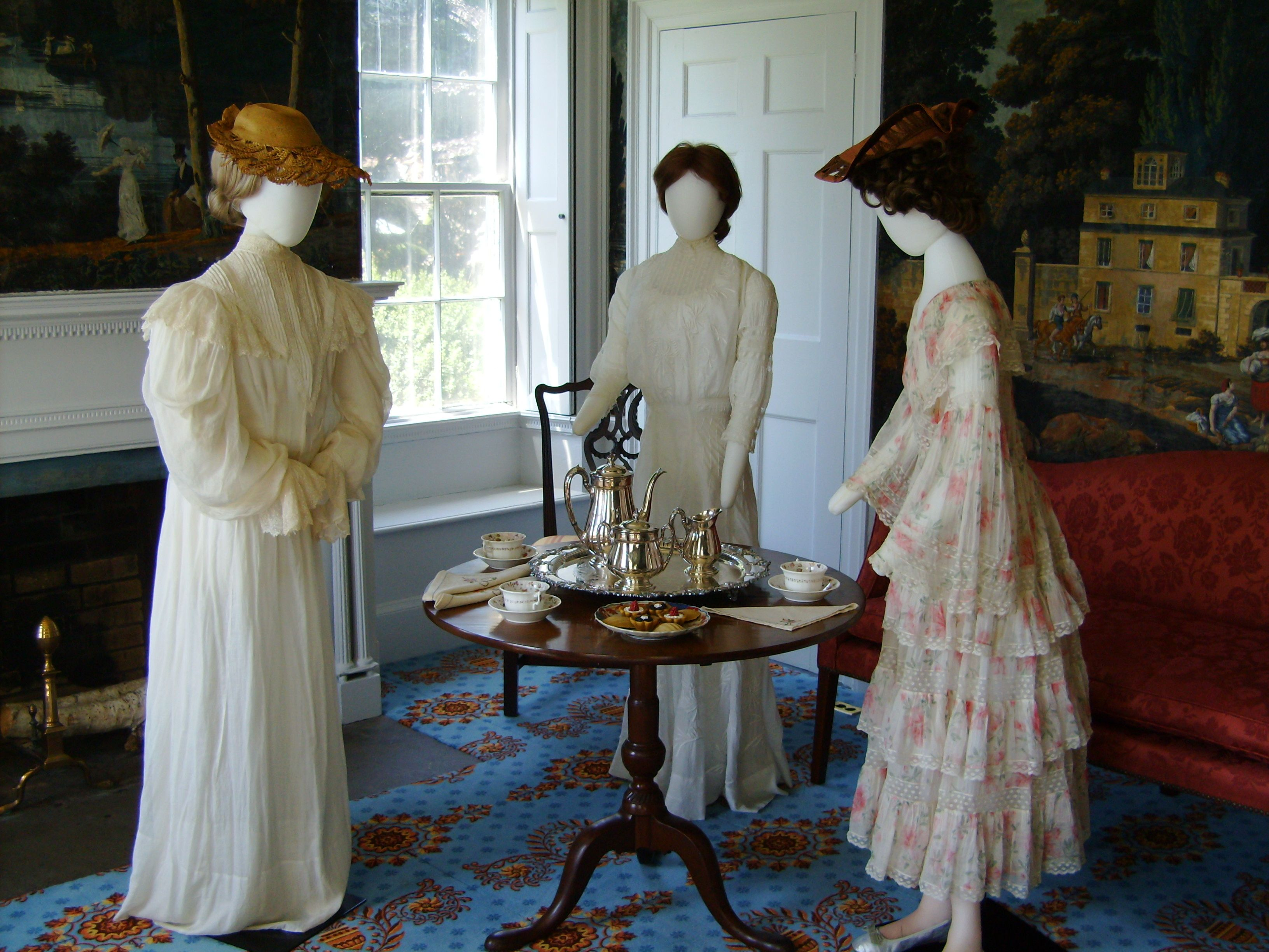 Tea Dresses, Gowns And Teas