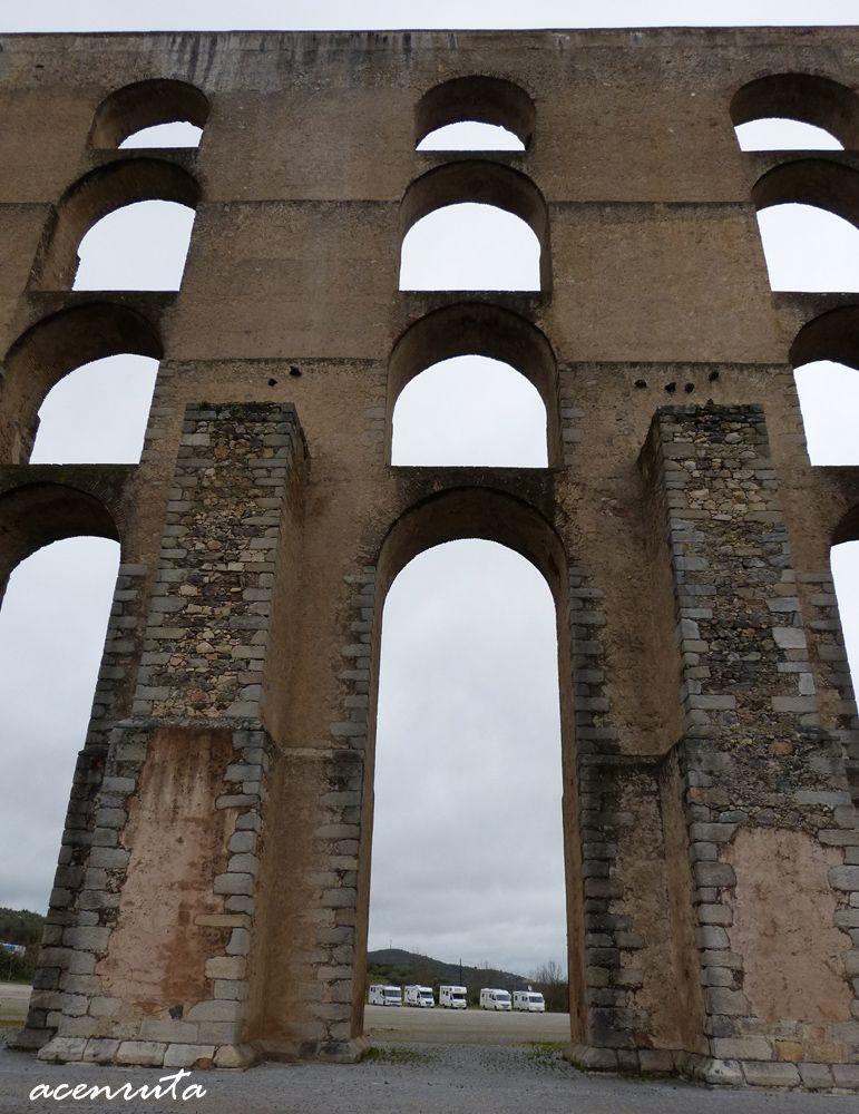 Elvas. Acueducto de Amoreira arcadas.