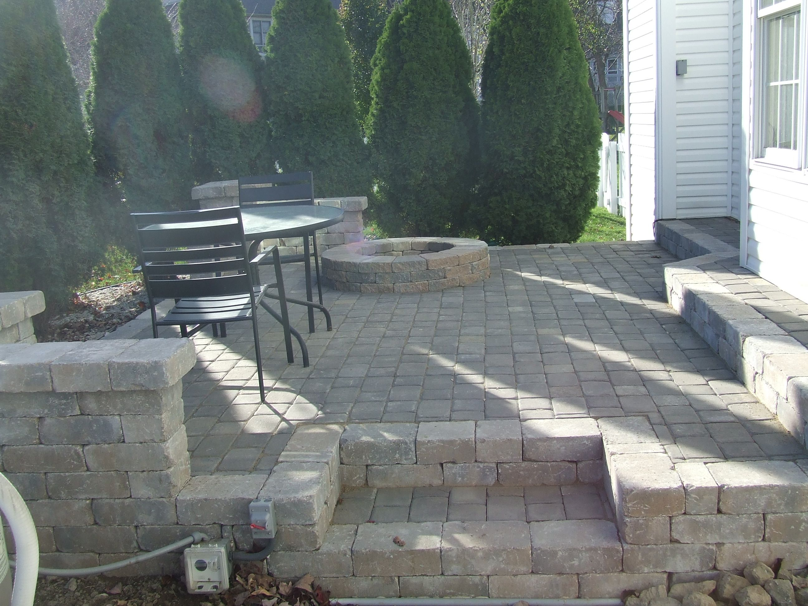 Paver Patio with fire pit.   DESIGNS   Pinterest on Paver Patio With Fire Pit Ideas id=69142
