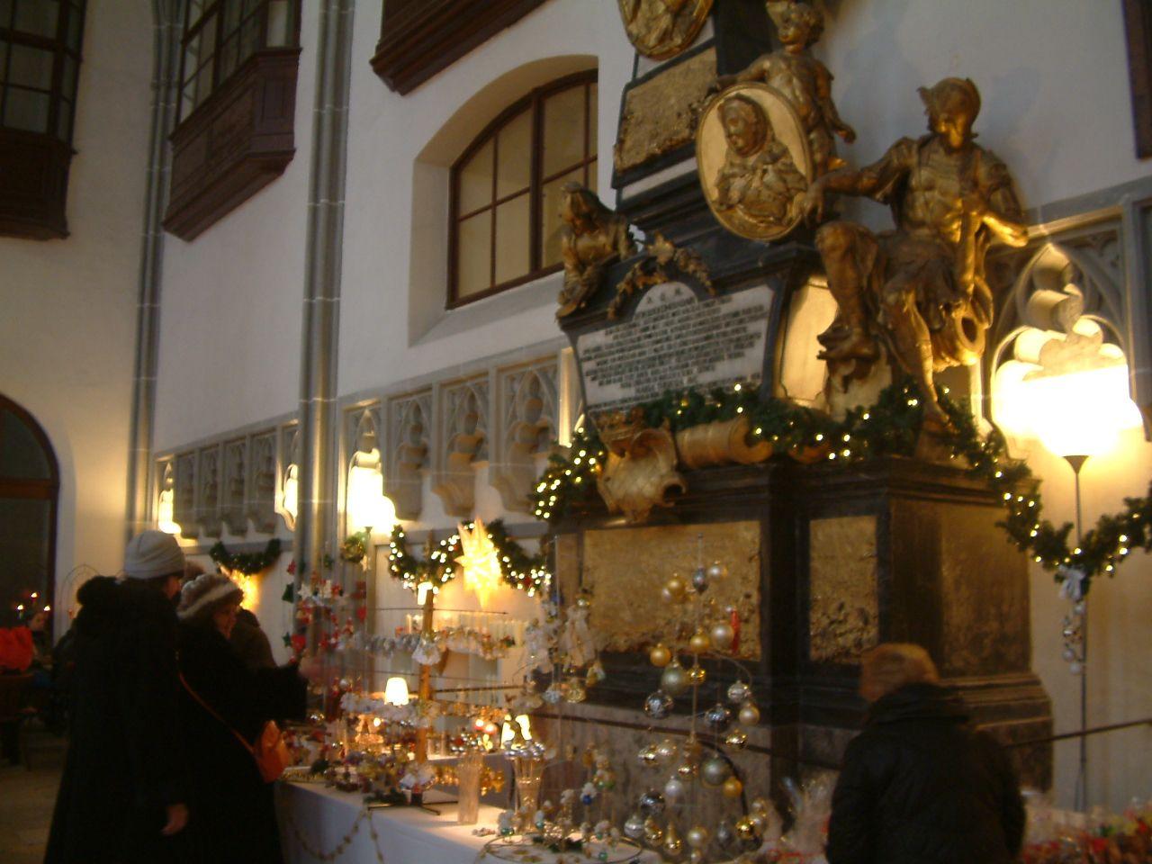Vásár egy kápolnában (Fotó: Kéri Kata)