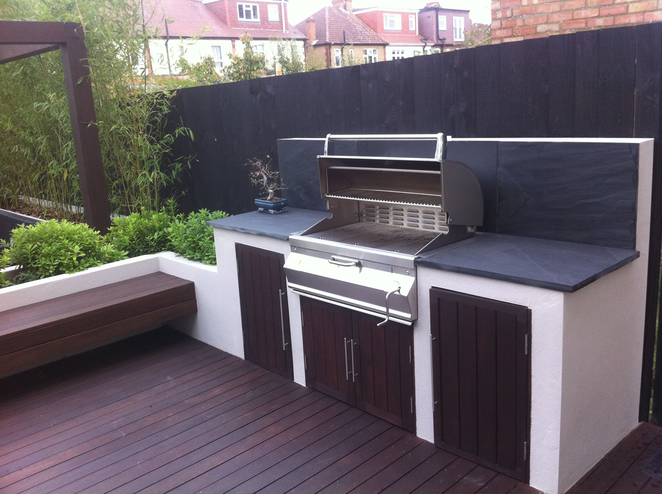 built in bbq gardens i love pinterest on outdoor kitchen bbq id=11261