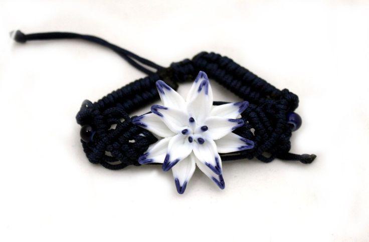 Lovely Handmade Ceramic & Macrame Flower Bracelets for Spring! | bellagracielawordpress.com #jewelry