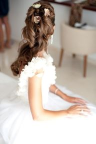 """27 kiểu tóc cô dâu tuyệt đẹp cho đám cưới ngoài trời GIÁO TRÌNH DẠY NGHỀ TẠO MẪU TÓC TOÀN DIỆN KORIGAMI (5+) TẬP TRUNG ĐÀO TẠO 5 LĨNH VỰC QUAN TRỌNG NHẤT CỦA NGÀNH TÓC ... HƯỚNG BẠN VÀO 5 MỤC TIÊU QUAN TRỌNG NHẤT NHẰM ĐẠT THÀNH CÔNG TRÊN CON ĐƯỜNG TRỞ THÀNH NHÀ TẠO MẪU TÓC CHUYÊN NGHIỆP ...  (1+) ... TOÁN HỌC NGÀNH TÓC KORIGAMI ( niềm tự hào mang tên Korigami .. là lĩnh vực nghiên cứu tâm đắc nhất độc đáo nhất mang tên Korigami ) ... Bất cứ bạn làm việc trong lĩnh vực nghề nghiệp nào đòi hỏi sự chính xác ... bắt buộc bạn phải có căn bản về toán học ... số học ... hình học ... hình học không gian 3 chiều (3D) ... Korigami khẳng định là bộ giáo trình đầu tiên tại Việt Nam dạy cho bạn các """"công thức toán học chuyên ngành tóc"""" dành riêng cho người Việt ... gần gũi và dễ hiểu tương đương với trình độ toán lớp 5 tại trung học phổ thông cơ sở ... Bộ công thức toán sinh học phân biệt điểm chuẩn - đường chia chuẩn - khu vực - tầng - tép tóc - mảng tóc - khối tóc ...e Bộ công thức toán xác định vị trí làm việc - góc nâng - góc bắt - góc kéo ... Bộ công thức toán số học gồm các công thức (L ... độ dài ) - ( P ... độ đuổi phom ) - ( V ... độ dầy ) - ( T ... độ đuổi tầng ) - ( X ... độ xoăn xù cơ học ) ... Bộ công thức toán cắt tóc hình học không gian gồm định vị khối vuông - định vị khối tròn - định vị khối chuyển động - định vị khối đa giác ... Bộ ký hiệu ngành tóc Korigami ... Đây là nền tảng để xây dựng nên cuốn giáo trình Korigami ... LÀM CHỦ LĨNH VỰC TOÁN HỌC GIÚP BẠN KIỂM SOÁT CHÍNH XÁC MỌI KỸ THUẬT TẠO KIỂU TÓC CỦA MÌNH ... TÁC PHẨM CÀNG ĐẠT THÔNG SỐ TOÁN HỌC CHÍNH XÁC BAO NHIÊU CÀNG NHANH HOÀN TẤT VÀ ĐẸP BẤY NHIÊU  (2+) ... VẬT LÝ + SINH HỌC NGÀNH TÓC: bộ môn dạy cho cấu trúc vật lý sinh học của tóc - cấu trúc vật lý sinh học mô hình đầu người + gương mặt + cổ vai gáy + thân hình ... Hướng dẫn bạn muôn vàn cách thức làm biến đổi hình dáng từng sợi tóc - từng tép tóc - từng mảng khối tóc do tác động vật lý cơ học có sử dụng và không sử dụng dụng cụ tạo kiểu hoặc sản phẩm"""