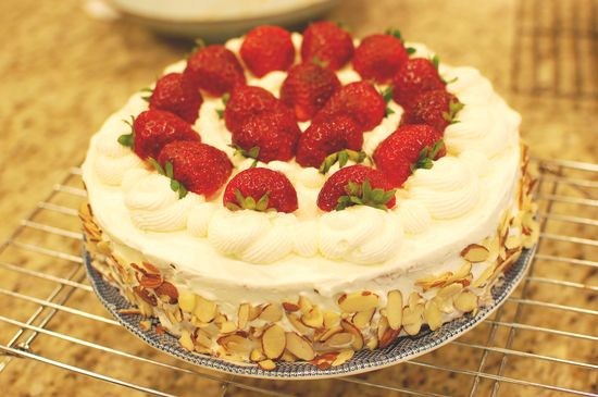 Chinese Birthday Cake recipe - I can finally reproduce the whipped cream/fresh fruit sponge cake from the Asian bakery at home!