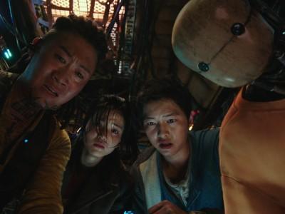 """Film """"Space Sweepers"""" auf Netflix: Per Müllsammler durch die Galaxis"""