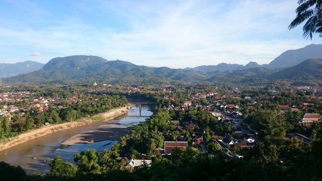 https://www.tripadvisor.jp/Attraction_Review-g295415-d546038-Reviews-Mount_Phousi-Luang_Prabang_Luang_Prabang_Province.html