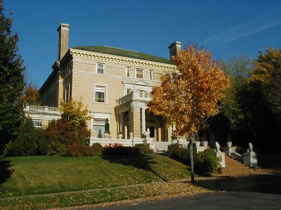 Front of the Cotten Mansion