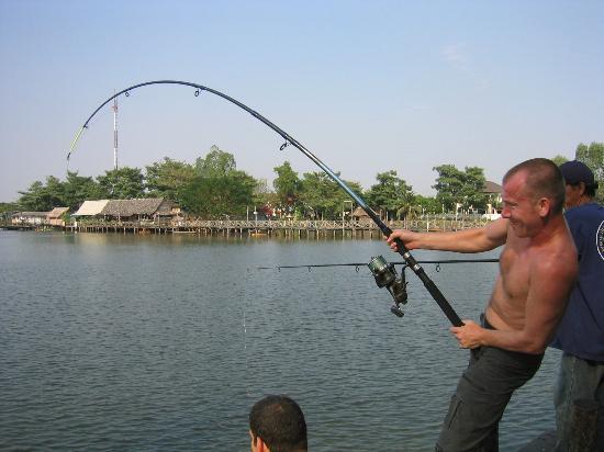 https://i1.wp.com/media-cdn.tripadvisor.com/media/photo-s/00/19/b9/ff/fishing-bungsamran-with.jpg