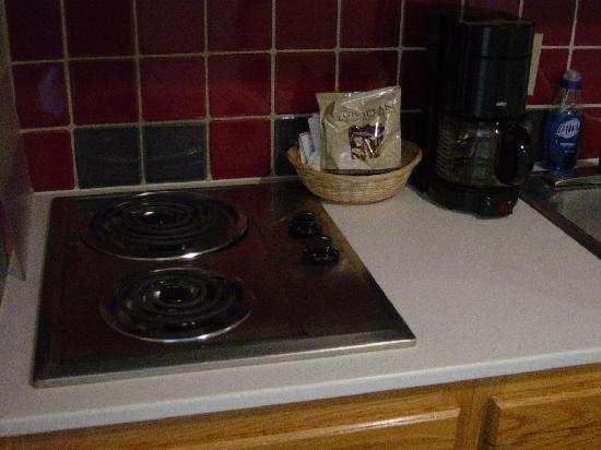 Water Edge Resort Spa Kitchen Stove Top