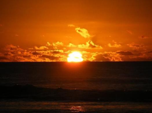 https://i1.wp.com/media-cdn.tripadvisor.com/media/photo-s/01/12/f0/97/sunset.jpg?w=525