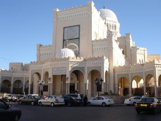 https://i1.wp.com/media-cdn.tripadvisor.com/media/photo-s/01/22/e3/30/tripoli-libya.jpg