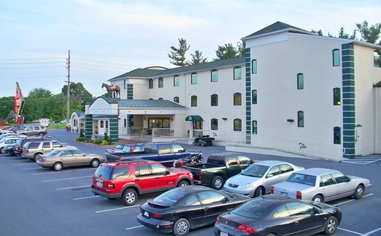 Charles Town hotels