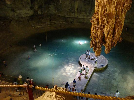 Foto De Playa Del Carmen Riviera Maya Un Cenote O Cueva