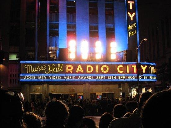 Closest Restaurants Radio City Music Hall