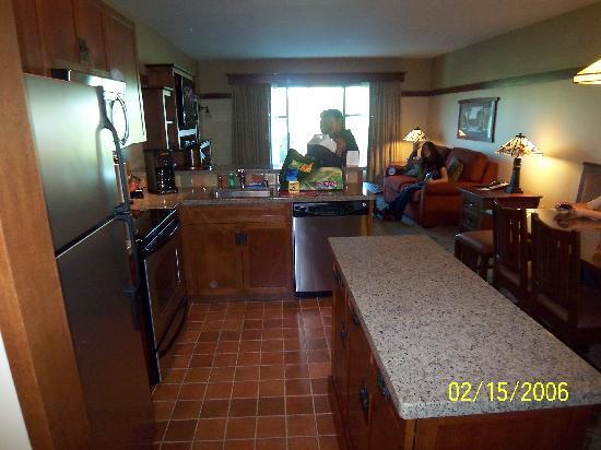 Disney S Grand Californian Hotel Spa Dvc Villas Kitchen And Island