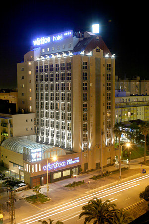 Hoteles econ micos y para familias hotel v rtice sevilla for Hoteles baratos para familias