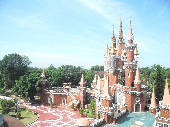 castle of the children's theme park