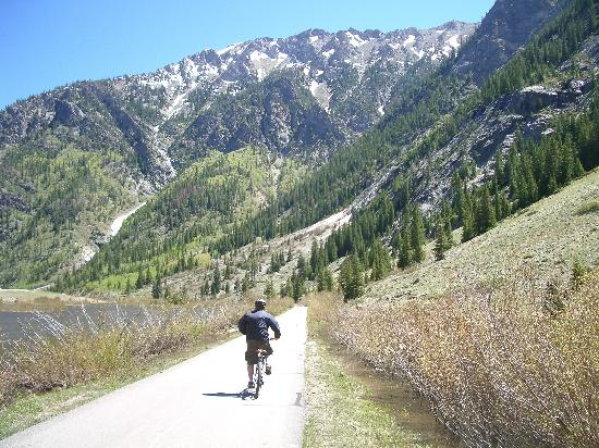 Hop on any of the gondolas with your bike or if you are up for a serious challenge, use pedal. Bike Ride Down From Vail Pass Picture Of Marriott S Mountain Valley Lodge At Breckenridge Tripadvisor