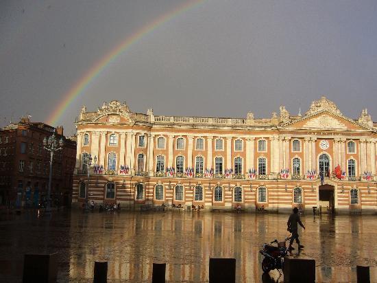 Le Capitole Aprs Lorage Photo De Villa Danieli