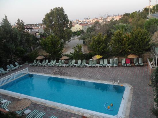 Emre Apartments The Swiming Pool