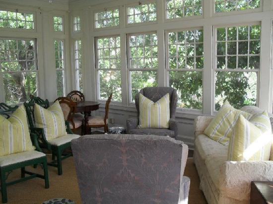 Boothe House Bed & Breakfast: Second Floor Atrium