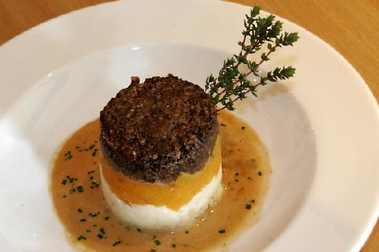 Haggis, Neeps & Tatties - Picture of The Pipers' Tryst Hotel, Glasgow