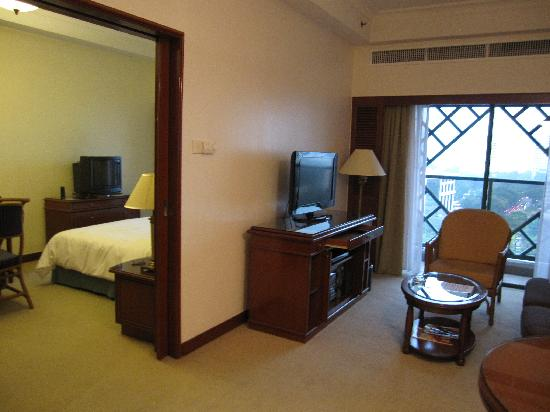 Living Area Picture Of Ambassador Row Hotel Suites By