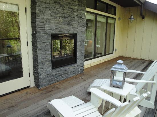 2 Way Fireplace Amp Deck Picture Of Farmhouse Inn