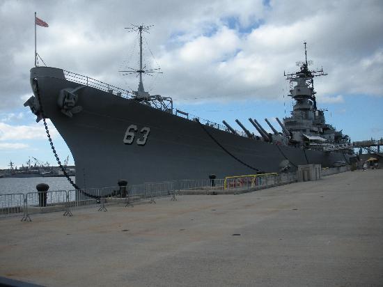 anti-aircraft guns - Picture of Battleship Missouri ...