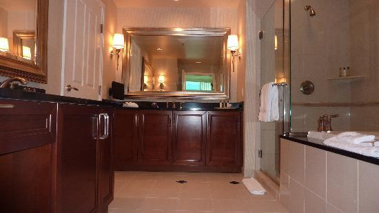 Signature One Bedroom Balcony Suite - Bedroom Style Ideas