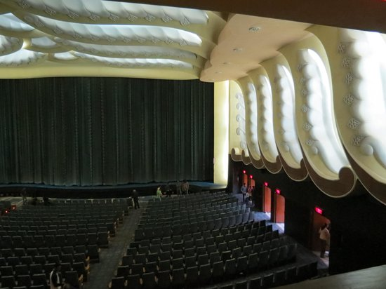 Raj Mandir Cinema Jaipur India Address Phone Number
