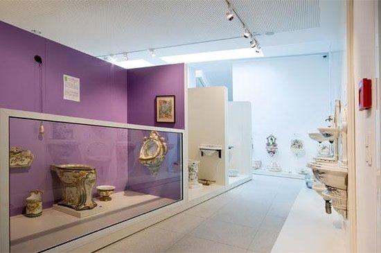 Pictures of Klo & So - Museum fur historische Sanitarobjekte, Gmunden