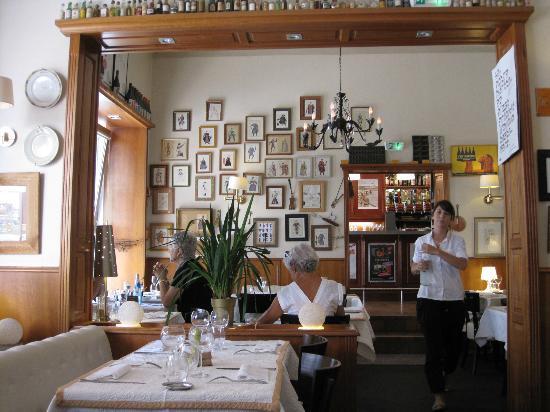 interior of la fourchette picture of
