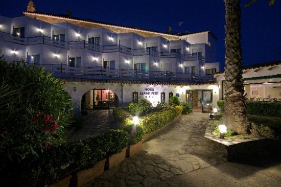 Hotel Llane Petit Cadaques Espagne Voir Les Tarifs
