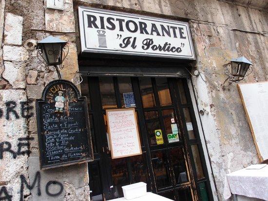 Il Portico: The facade